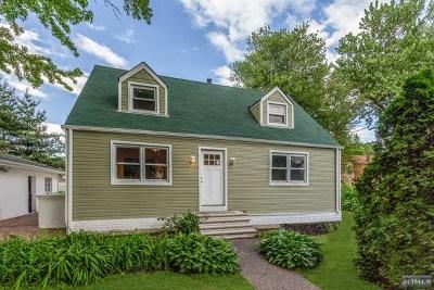 Teaneck Single Family Home For Sale: 97 Prospect Terrace