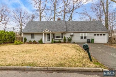Paramus NJ Single Family Home For Sale: $469,999