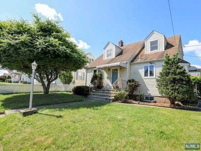 Totowa Single Family Home For Sale: 63 Hobart Place