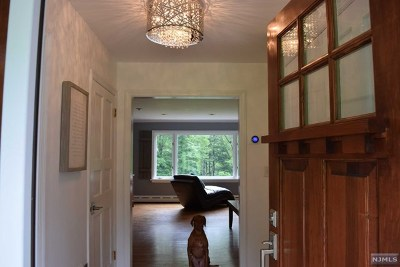 Mendham Township Single Family Home For Sale: 23 Dogwood Drive