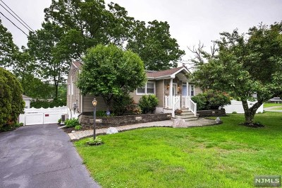 West Milford Single Family Home For Sale: 53 Circle Boulevard