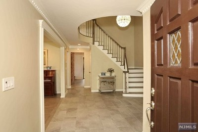 Englewood Cliffs Single Family Home For Sale: 73 Anderson Avenue