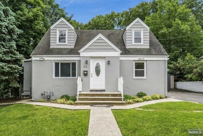 North Haledon Single Family Home For Sale: 20 Overlook Avenue