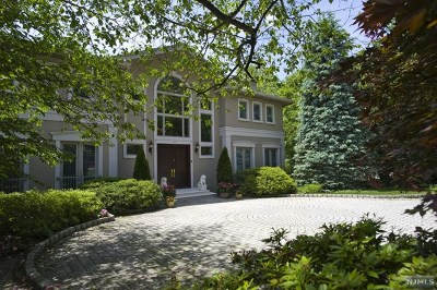 Franklin Lakes Single Family Home For Sale: 970 Arapaho Trail
