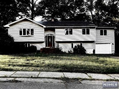Waldwick Single Family Home For Sale: 27 Schuler Avenue