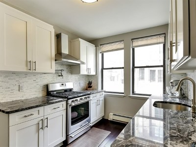 Edgewater Condo/Townhouse For Sale: 553 Undercliff Avenue #3