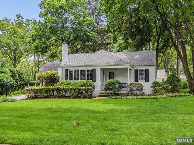 Ridgewood Single Family Home For Sale: 646 Witthill Road