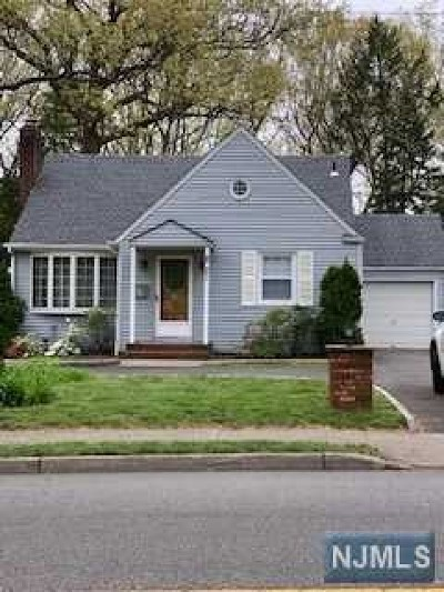 Paramus NJ Single Family Home For Sale: $525,000