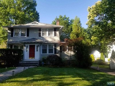 Leonia Single Family Home For Sale: 187 Lakeview Avenue