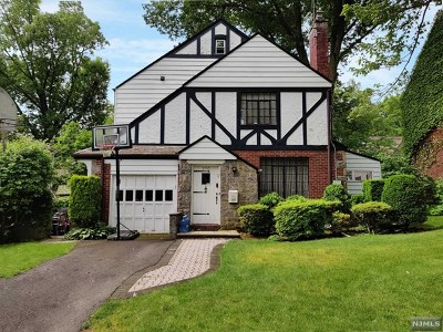 Teaneck Single Family Home For Sale: 270 Briarcliff Road