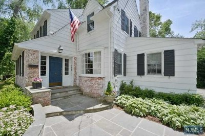 Ridgewood Single Family Home For Sale: 186 McKinley Place
