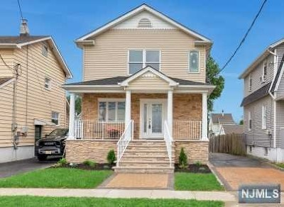 Lyndhurst Single Family Home For Sale: 394 Forest Avenue