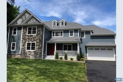 Morris County Single Family Home For Sale: 5 Laurel Way