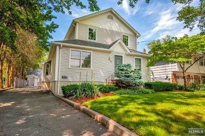 Tenafly Single Family Home For Sale: 75 Columbus Drive