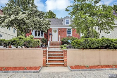 Hackensack Single Family Home For Sale: 121 Poplar Avenue