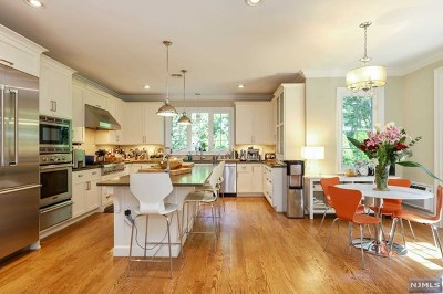 Tenafly Single Family Home For Sale: 53 Hamilton Place