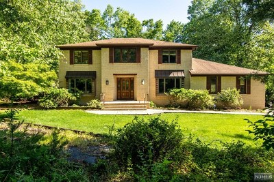Morris County Single Family Home For Sale: 67 Gathering Road
