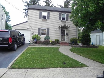 Teaneck Single Family Home For Sale: 34 Jasper Avenue