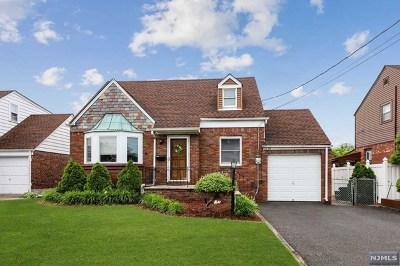 Fair Lawn Single Family Home For Sale: 23-10 Ellington Road