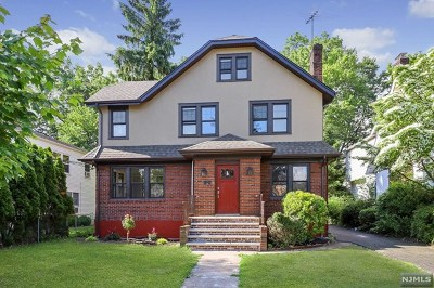 Englewood Single Family Home For Sale: 220 West Hudson Avenue
