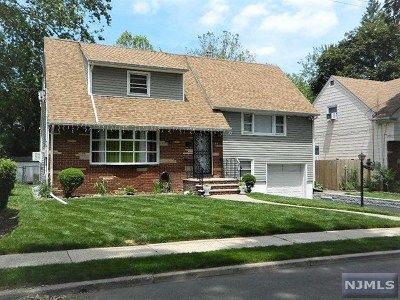 Teaneck Single Family Home For Sale: 93 Irvington Road