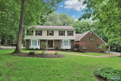Franklin Lakes Single Family Home For Sale: 716 Windswept Lane