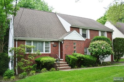 Teaneck Single Family Home For Sale: 752 Stelton Street
