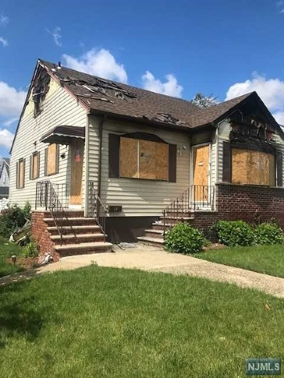 Bergen County Single Family Home For Sale: 64 Mitchell Street