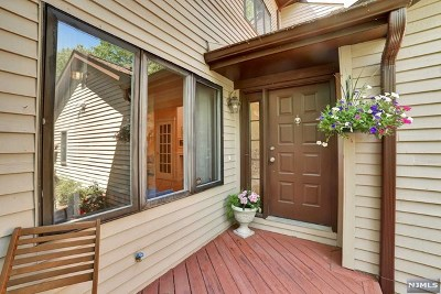Mahwah Condo/Townhouse For Sale: 123 Fisher Road
