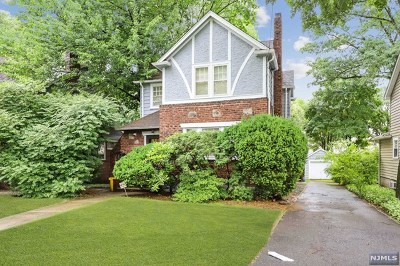 Teaneck Single Family Home For Sale: 1103 Sussex Road