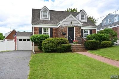 River Edge Single Family Home For Sale: 148 Monroe Avenue