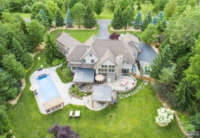 Mahwah Single Family Home For Sale: 10 Washington Lane