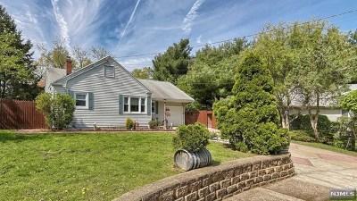 Fair Lawn Single Family Home For Sale: 4 Edison Court