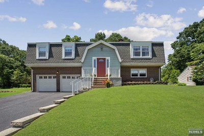 Wyckoff Single Family Home For Sale: 417 Lincoln Avenue