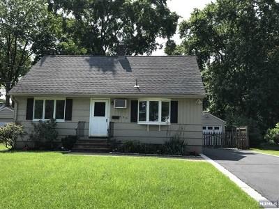 Ridgewood Single Family Home For Sale: 456 Berkshire Road