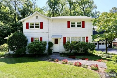 Wyckoff Single Family Home For Sale: 318 Newtown Road