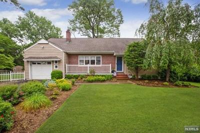Park Ridge Single Family Home For Sale: 1 Kinderkamack Road