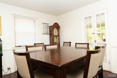 Teaneck Single Family Home For Sale: 535 Standish Road