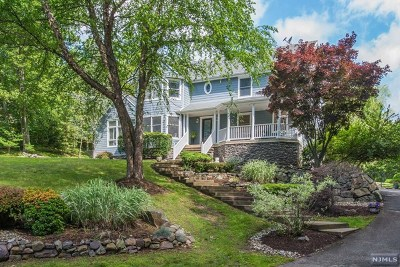 West Milford Single Family Home For Sale: 822 Westbrook Road