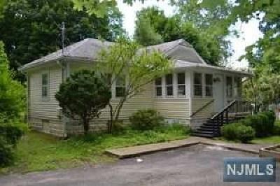 Oakland Single Family Home For Sale: 24 Poplar Street