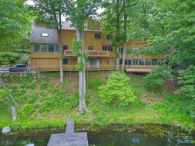 Franklin Lakes Single Family Home For Sale: 730 Colonial Road