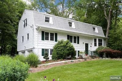 Bergen County Single Family Home For Sale: 543 Bernita Drive