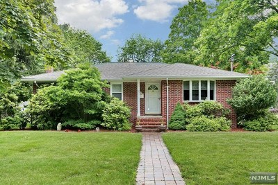 Closter Single Family Home For Sale: 38 Carlson Court