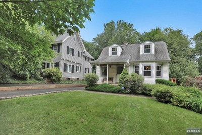 Leonia Single Family Home For Sale: 172 Park Avenue