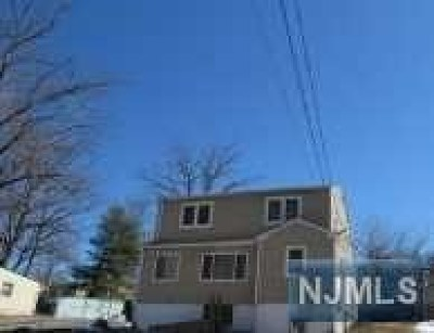 Passaic County Single Family Home For Sale: 60 Reidy Place