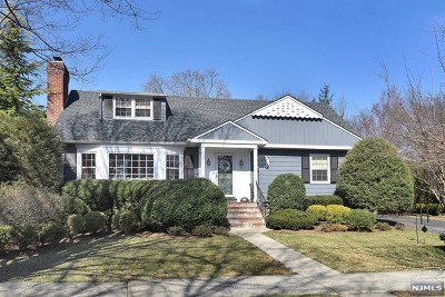 Ridgewood Single Family Home For Sale: 636 Heights Road