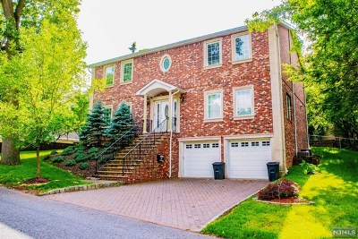 Demarest Single Family Home For Sale: 33 Columbus Road