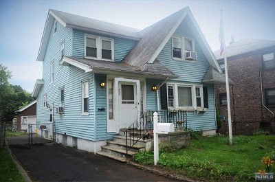 Teaneck Single Family Home For Sale: 659 Chestnut Avenue