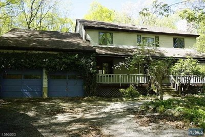 West Milford Single Family Home For Sale: 21 Henderson Road