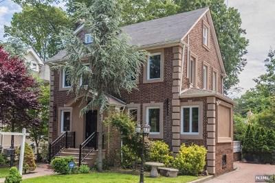Bergen County Single Family Home For Sale: 1048 Abbott Boulevard